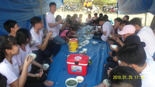 C:\Users\Quoc\Documents\New folder\hinh anh  trai\Zalo\IMG_1518411090478_1518773577707.jpg
